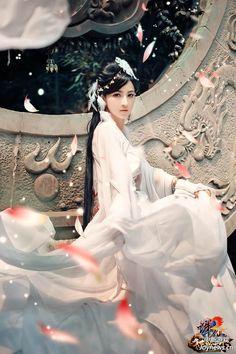 Cosplay Tru Tiên - Lục Tuyết Kỳ Zhu Xian - Lu Xue Qi 诛仙 - 陆雪琪  Cosplayer: Lâm Tiêu  => Full album: https://luctuyetkytuyetme.wordpress.com/2017/02/16/tong-hop-cosplay-luc-tuyet-ky-p1-lam-tieu/