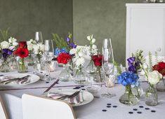 Bilderesultat for pynt bord fest Progressive Dinner, Aesthetic Room Decor, Hygge, Summertime, Table Settings, Table Decorations, Holiday Decorations, Vase, Birthday