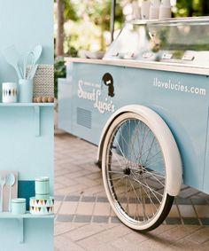 ideas street food truck vintage for 2019 Organic Ice Cream, Bike Food, Ice Cream Cart, Food Vans, Vintage Ice Cream, Coffee Truck, Summer Parties, Gelato, Retro