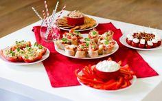 Przekąski Kibica – dobre do każdego meczu! Bruschetta, Mozzarella, Feta, Dip, Table Settings, Table Decorations, Salsa, Place Settings, Dinner Table Decorations