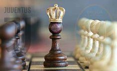 Amiche Nemiche giocano una partita a scacchi!