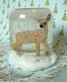 Boule à neige faite avec un petit bocal en verre - tutoriel