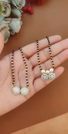 Gold Chain Design, Gold Bangles Design, Gold Jewellery Design, Diamond Mangalsutra, Gold Mangalsutra Designs, Pearl Necklace Designs, Jewelry Design Earrings, Indian Jewelry Sets, Bridal Jewelry Sets