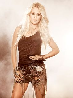 SINGER and American Idol winner Carrie Underwood, shares her favourite beauty and style tips… Carrie Underwood Music, Carrie Underwood Pictures, Carrie Underwood Bikini, Blond, Star Wars, American Idol, Country Girls, Carry On, Celebs