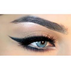 "@anastasiabeverlyhills brow wiz ""granite"" ● Tom ford eyeliner ● Lashes : kokolashes in ""goddess "" ● solotica contact lenses natural ""topazio """
