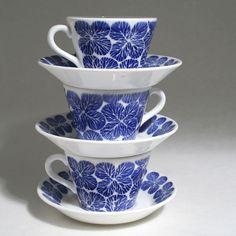 STINA- Stig Lindberg Gustavsberg Stig Lindberg, Vintage Tableware, Stoneware Crocks, Vintage Bottles, Retro, Matcha, Cup And Saucer, Vintage Designs, Sweden