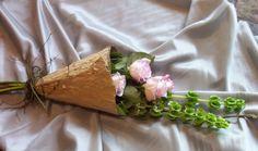 3 Roses in a lotus leaf