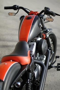 Steve Elliott • Nueva Harley-Davidson Sportster 883 IRON...