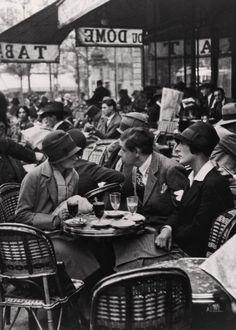 Le Dôme Café, Montparnasse, Paris, Photo by Andre Kertesz. Paris 1920s, Old Paris, Vintage Paris, Vintage Cafe, Paris Paris, Andre Kertesz, Le Dome Paris, Vintage Photography, Street Photography