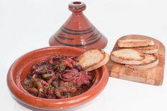 polipetti alla Luciana           Piatto tipico della cucina partenopea, semplice e gustoso deve il nome ai pescatori di Santa Lucia ...