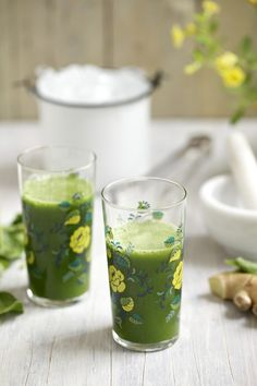 Green Juice Recipe: Spicy Ginger-Pineapple Green Juice #greenjuice #recipes #vegan #raw #rawfood #glutenfree
