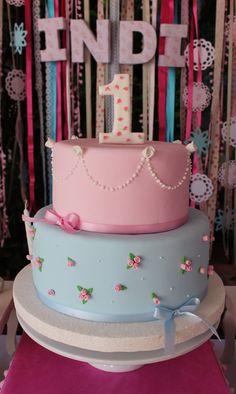 Shabby Chic Cake by Violeta Glace