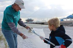 Article by Josh Boatwrite at St. Petersburg Tribune http://tbo.com/pinellas-county/volunteers-spruce-up-st-petersburgs-waterfront-20141101/