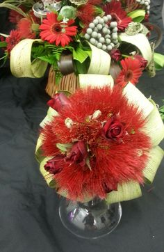 Pohutukawa Wedding! Bright, Seasonal and Native https://www.facebook.com/melodysflorist