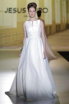 Vestido de noiva de Jesús Peiró 2014. #casamento #vestidodenoiva