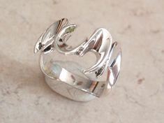 Sterling Silver Ring Brutalist Wave Size 7 1/2 Artisan Made CMFG #vintage #sterlingsilver #ring #brutalist #wave #artisanmade