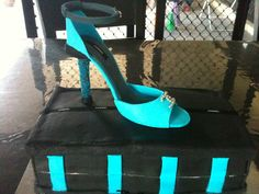 Edible high heel shoebox cake