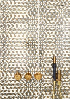 Loves these tiles with the brass faucets. Made A Mano Collection// Gold pattern bathroom tiles// Bad Inspiration, Bathroom Inspiration, Interior Inspiration, Made A Mano, White Marble Bathrooms, Brass Bathroom, White Tiles, Bathroom Fixtures, Washroom