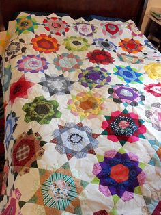 Orange explains it all: Quilting and flowers Quilting Tutorials, Quilting Projects, Quilting Designs, Quilting Ideas, Star Quilt Blocks, Star Quilts, Amish Quilts, Millefiori Quilts, Bordado Floral