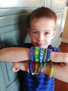 The current craze for kids – Rainbow Loom bands and their many knockoffs – has been surprising parents and child development experts since it broke out last summer and fall: In a market glutted with crafts marketed to girls, loom bands are the rare gender-neutral hobby that appeals to boys, too.
