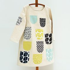 Lotta Jansdotter Esme dress inspired by Marimekko IIonen Takki dress. Pockets made in her new fabric collection Diy Clothing, Sewing Clothes, Clothing Patterns, Casual School Outfits, Cool Outfits, Marimekko Dress, Shabby Look, Top Pattern, Daily Wear