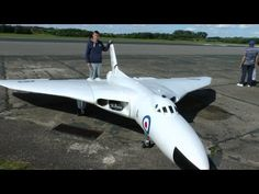 ONBOARD CAMS ON GIANT RC SCALE AVRO VULCAN XH 558 DAVE AT RAF ELVINGTON LMA MODEL AIRCRAFT SHOW 2014 - YouTube