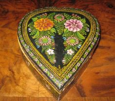 Vintage 50's Mexican Olinala Wood Lacquer Box