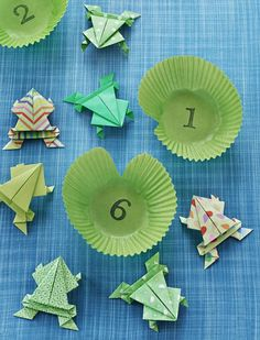 8 Easy Kids Passover DIY Crafts including this cute leapfrog game made with origami frogs and cupcake liner lilly pads. Best Picture For my ideas … Frog Crafts, Crafts For Kids, Arts And Crafts, Paper Crafts, Easy Crafts, Paper Art, Origami Tutorial, Origami Easy, Yom Kippur
