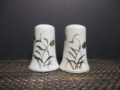 Pretty Art Deco Hand Painted Lefton Gold Wheat Salt and Pepper Shakers Porcelain White by NewOxfordVintage on Etsy