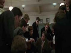 Escena de la película «El Club de los Poetas Murtos»; Por que debemos leer y escribir poesía? Versión doblada al castellano.