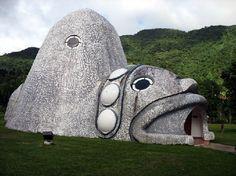 Imagen de http://media-cdn.tripadvisor.com/media/photo-s/01/22/60/a1/the-cemi-shaped-museum.jpg.