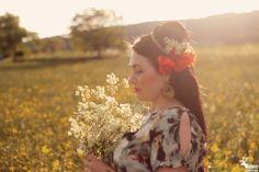 Wild Poppies, Romantic Photos, Reindeer, Vintage Photos, Crown, Facebook, Inspiration, Women, Fashion