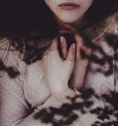 """ispeakfluentloveliness: """" She is dead but lately started to blossom. This is why you can see the blood. (by laura makabresku) """" Creative Portrait Photography, Creative Portraits, Photography Series, Winter Photography, Fashion Photography, Laura Makabresku, Southern Gothic, Fairy Tales, Hands"""