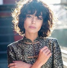 Trending Short Curly Hairstyles 2019 34 - New Hair Styles Curly Fringe, Curly Hair With Bangs, Curly Hair Cuts, Curly Bob Hairstyles, Hairstyles With Bangs, Wavy Hair, Short Hair Cuts, Short Hair Styles, Curly Shag Haircut