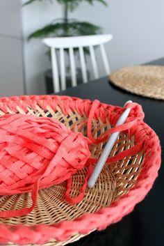 Agrégale color a tu cesta con trenzas o hilos de tu preferencia #DIY