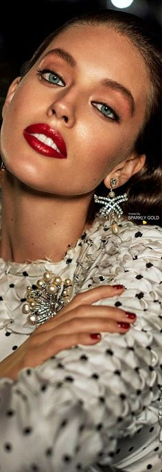 Guess who ? Emily Didonato, Jewelry Editorial, Editorial Fashion, Modelo Emily, She's A Lady, Campaign Fashion, Provocateur, Glamour, Ladies Slips