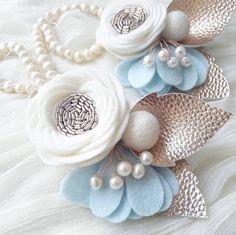 Pearly sky/ Ivory light blue & rose gold felt flower