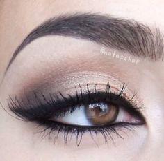 defined eye makeup