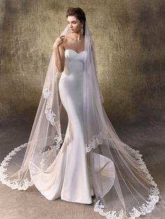 2017 Enzoani - Logan wedding dress - alternative to Dakota dress by Nicole Miller