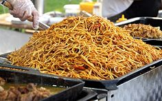 Zajímavé! Paella, Lunch Time, Coconut Flakes, Japchae, Meal Prep, Foodies, Spices, Menu, Ethnic Recipes