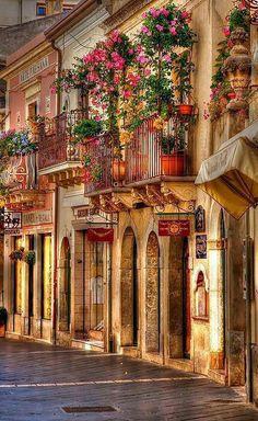 Travel  #Taormina