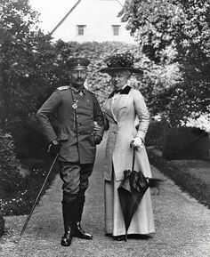 Kaiser Wilhelm and Kaiserin Auguste Viktoria Queen Victoria Family, Wilhelm Ii, Germany And Prussia, King Of Prussia, German People, Art Of Manliness, Empire, Royal Blood, History Photos