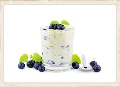 Lemon Blueberry Chia Seed Pudding is so creamy and yummy! Enjoy for a healthy breakfast, snack, or dessert. #chiaseeds