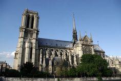 France: Paris: L'Ile de la Cite & Notre Dame