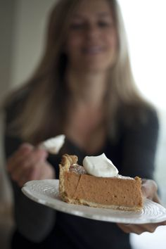 dishing up deep dish pumpkin pie with greek yogurt for yummy breakfast