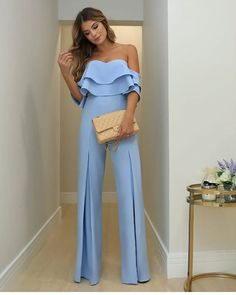 Palazzo Pants Outfit For Work. 14 Budget Palazzo Pant Outfits for Work You Should Try. Palazzo pants for fall casual and boho print. Classy Outfits, Chic Outfits, Trendy Outfits, Pantalon Costume, Pants Outfit, Jumpsuit Outfit, Jumpsuits For Women, Fancy Jumpsuits, Look Fashion