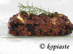 Eliopsomo me Dendrolivano (Olive Bread with Rosemary)