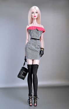 Dress courtesy of WonderFelipe. All accesories by Integrity Toys. Barbie Top, Bad Barbie, Barbie Model, Barbie Dress, Fashion Royalty Dolls, Fashion Dolls, Fashion Outfits, Beautiful Barbie Dolls, Vintage Barbie Dolls