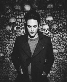 Could this be love at first sight?... if this is the pic of Dallon you've ever see then yes. So gorgeous!