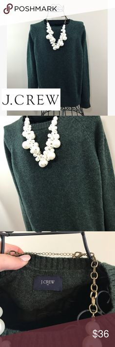 J Crew Forest Green Sweater Sweater is in pristine condition and it is from J.Crew. There is not a size tag in the sweater but it runs between a small and a medium. J. Crew Sweaters Crew & Scoop Necks